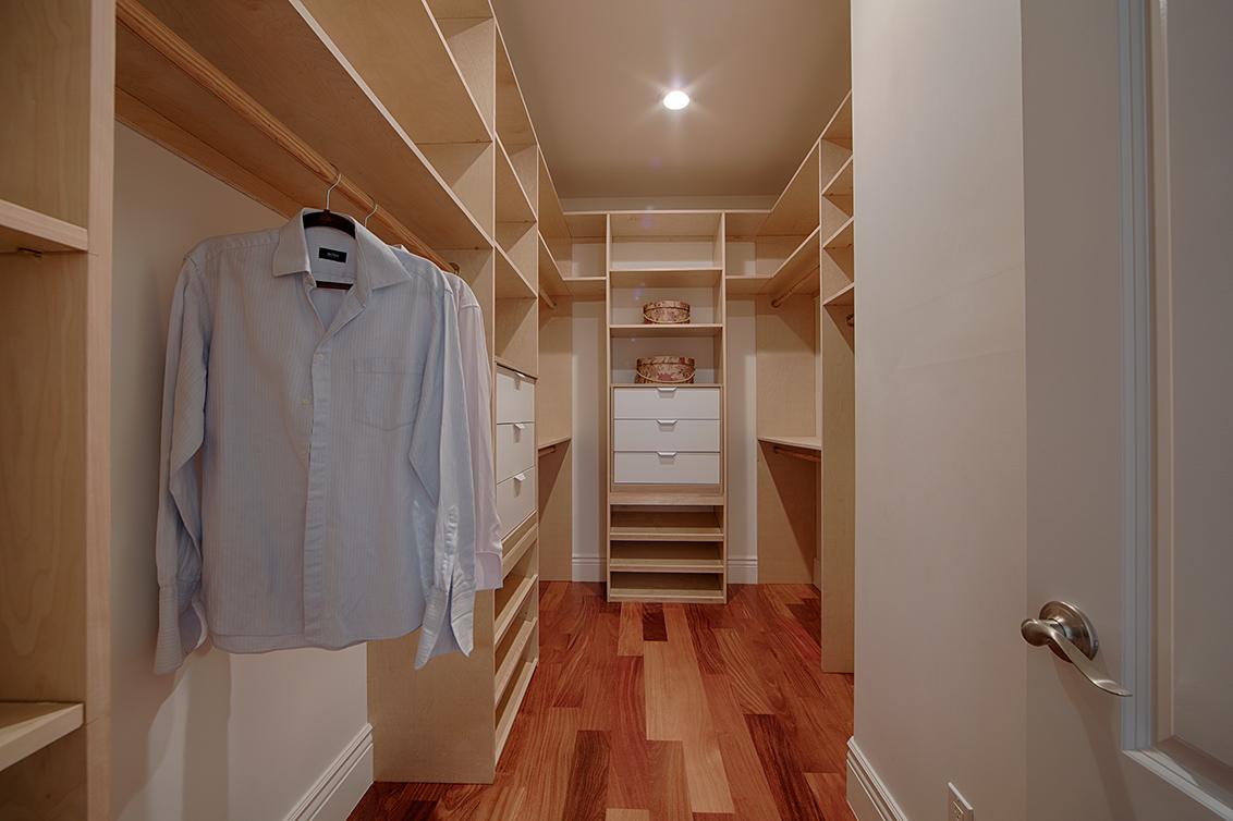 Master Closet (B)