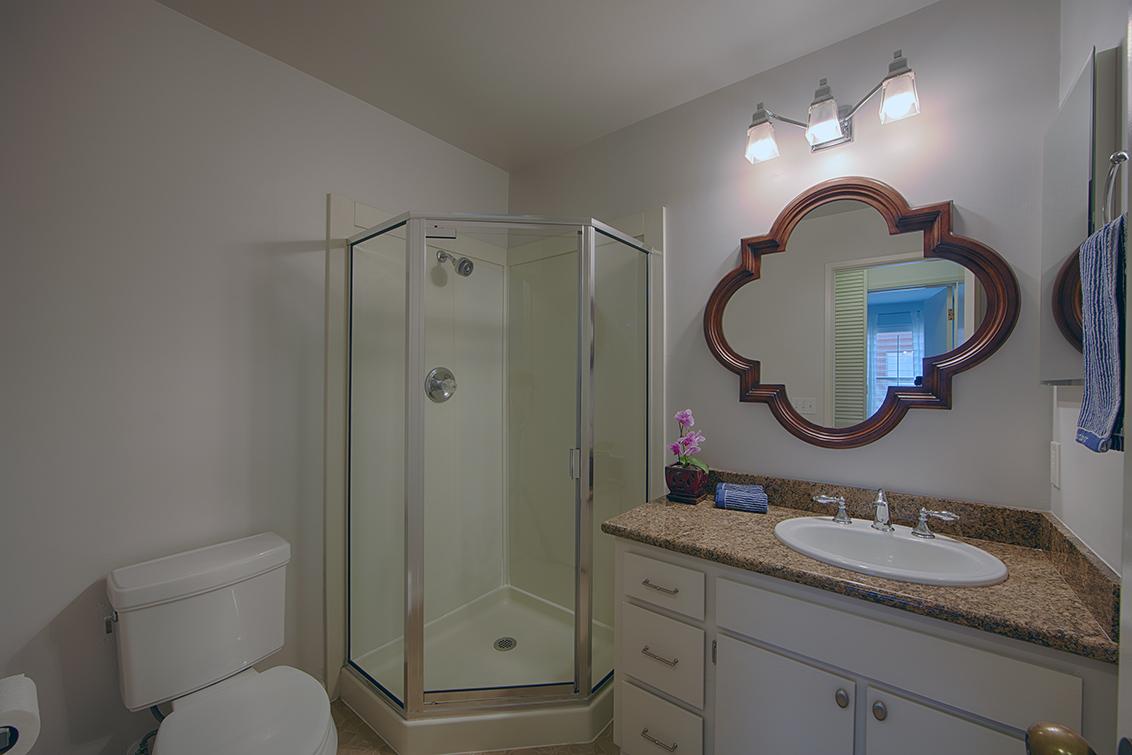 Bathroom 2 (A) - 229 High St