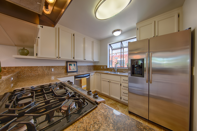 229 High St, Palo Alto 94301 - Kitchen (A)
