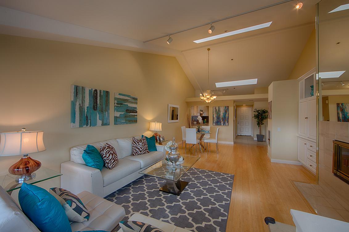 Living Room (C) - 685 High St 5e