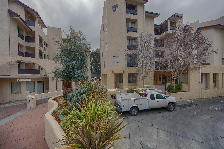 Front View - 685 High St 5e, Palo Alto 94301