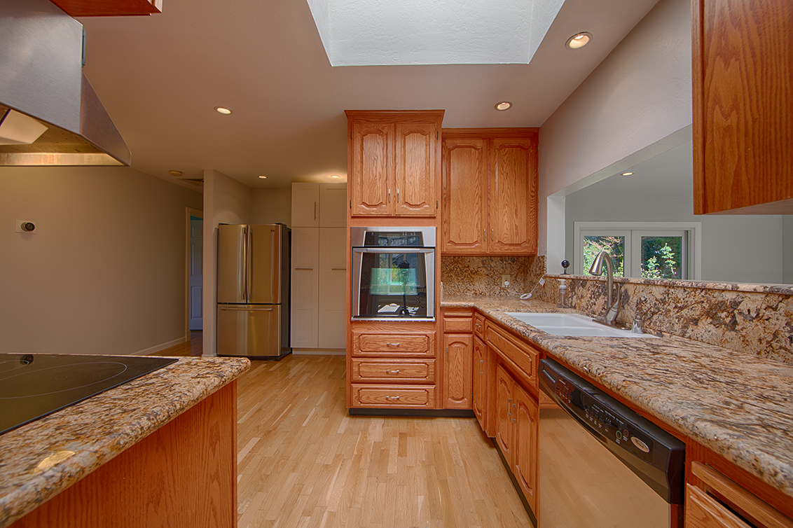 Kitchen (A) - 5390 Keene Dr