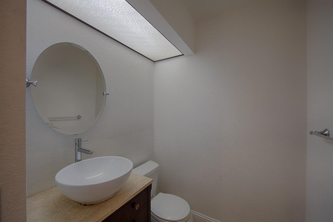 Half Bath (A) - 919 La Mesa Ter C