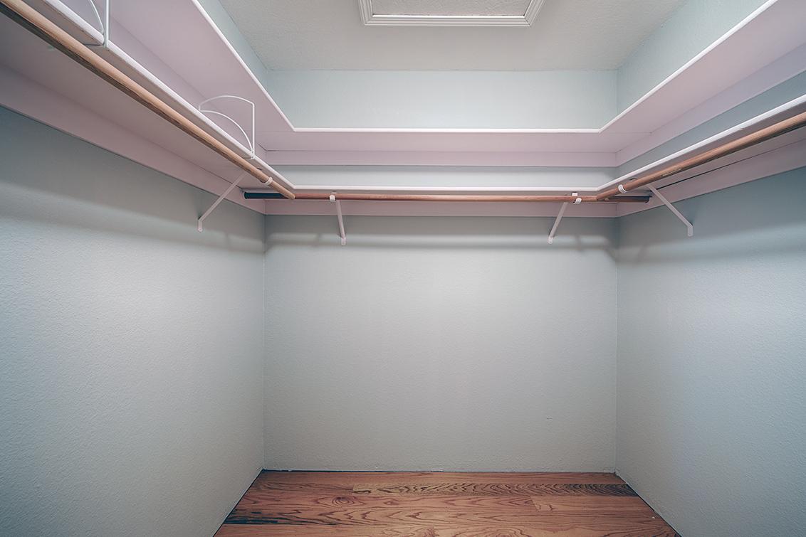 Bedroom 2 Closet  - 975 La Mesa Ter H
