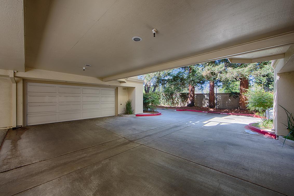 Garage (A) - 975 La Mesa Ter H