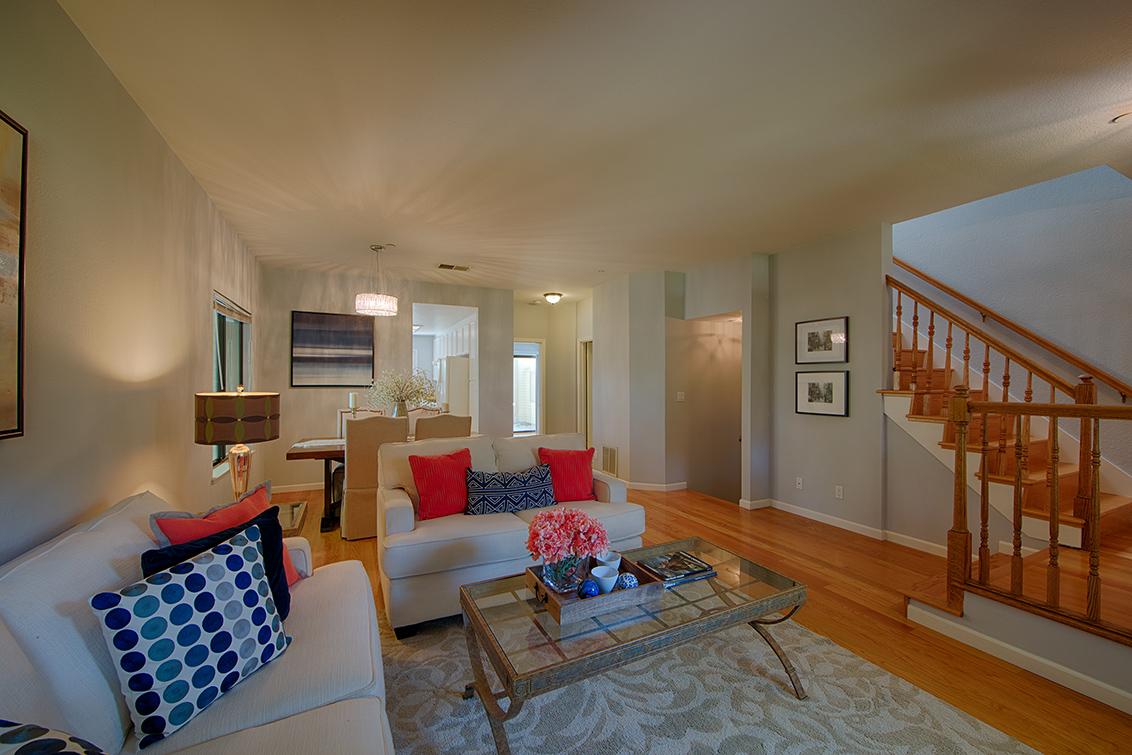 Living Room (D) - 975 La Mesa Ter H