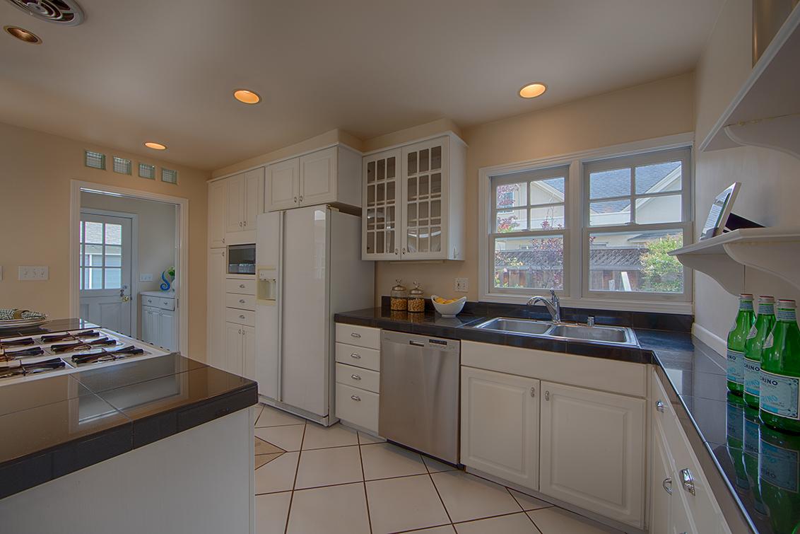 Kitchen picture - 1613 Mariposa Ave, Palo Alto 94306