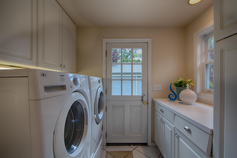 1613 Mariposa Ave, Palo Alto 94306 - Laundry (A)