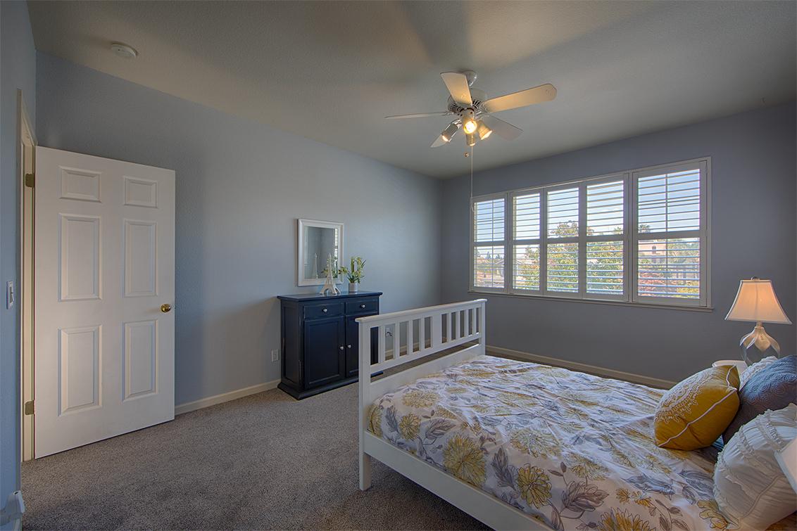 Bedroom 2 (B) - 3573 Meadowlands Ln