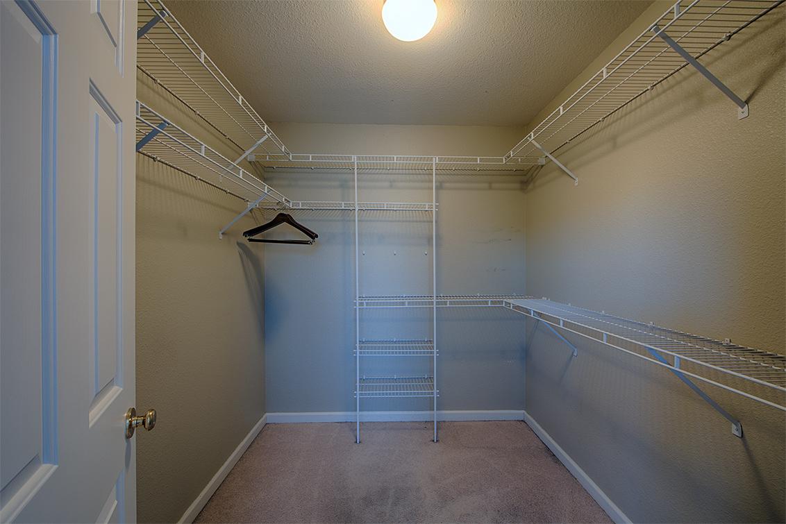 Master Closet (A) - 3573 Meadowlands Ln