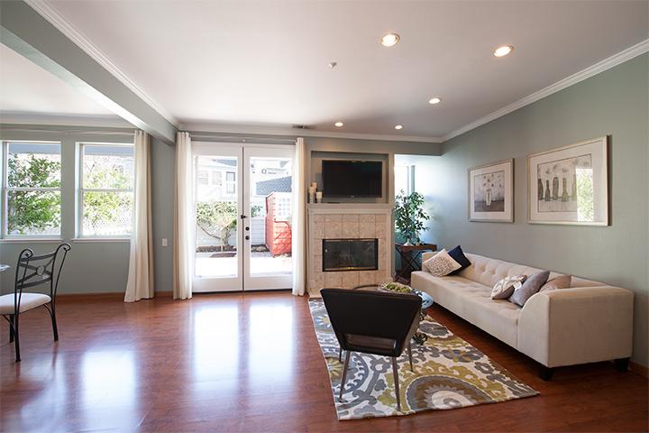 Living Room (A) - 405 Mendocino Way