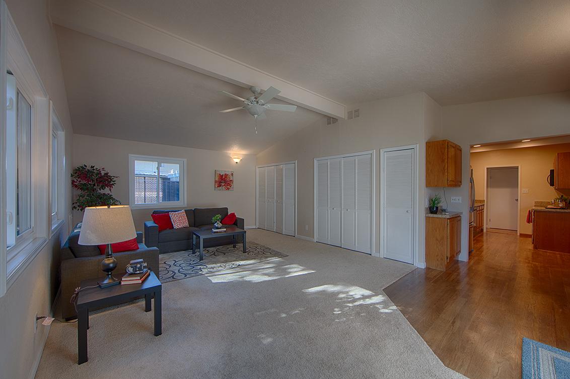 Family Room (D) - 2338 Menzel Pl