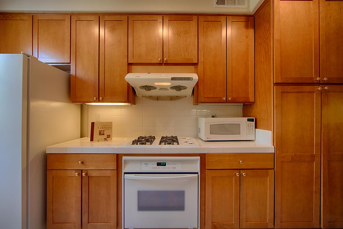 Kitchen (E) - 102 Montelena Ct