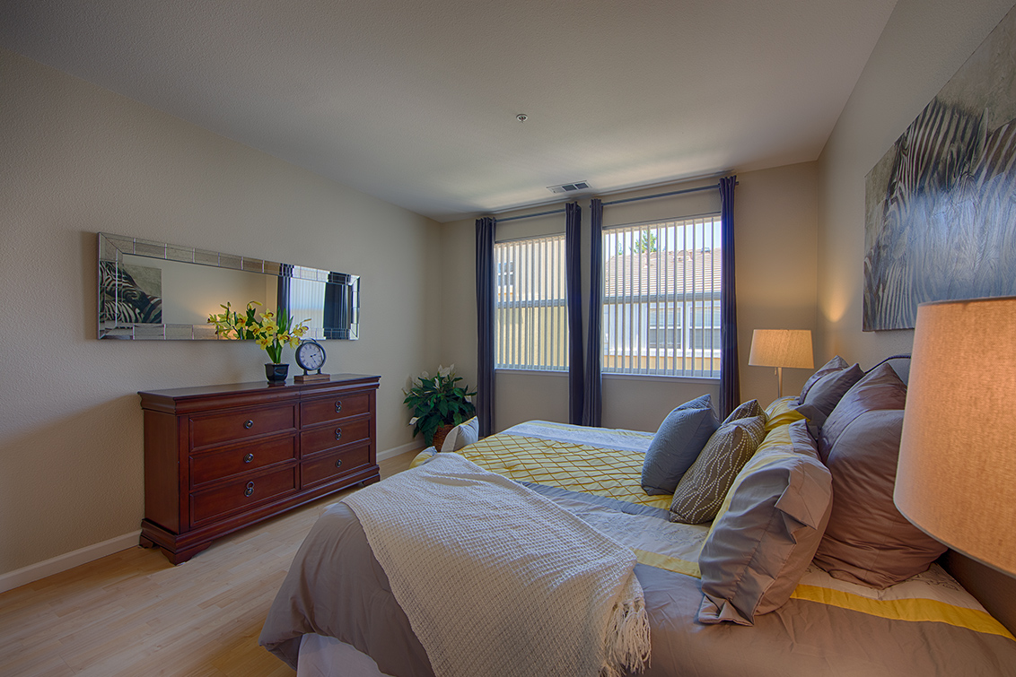 Master Bedroom (B) - 102 Montelena Ct