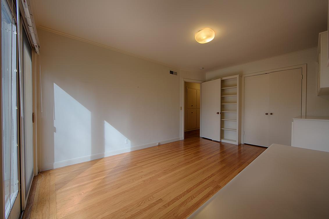 Bedroom 2 (C) - 255 N California Ave