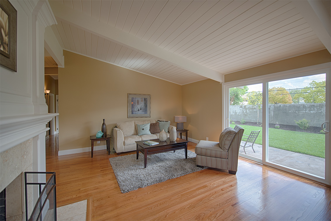 Family Room picture - 3851 Nathan Way, Palo Alto 94303