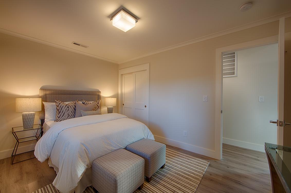 Cottage Bedroom (D) - 331 Oak Ct