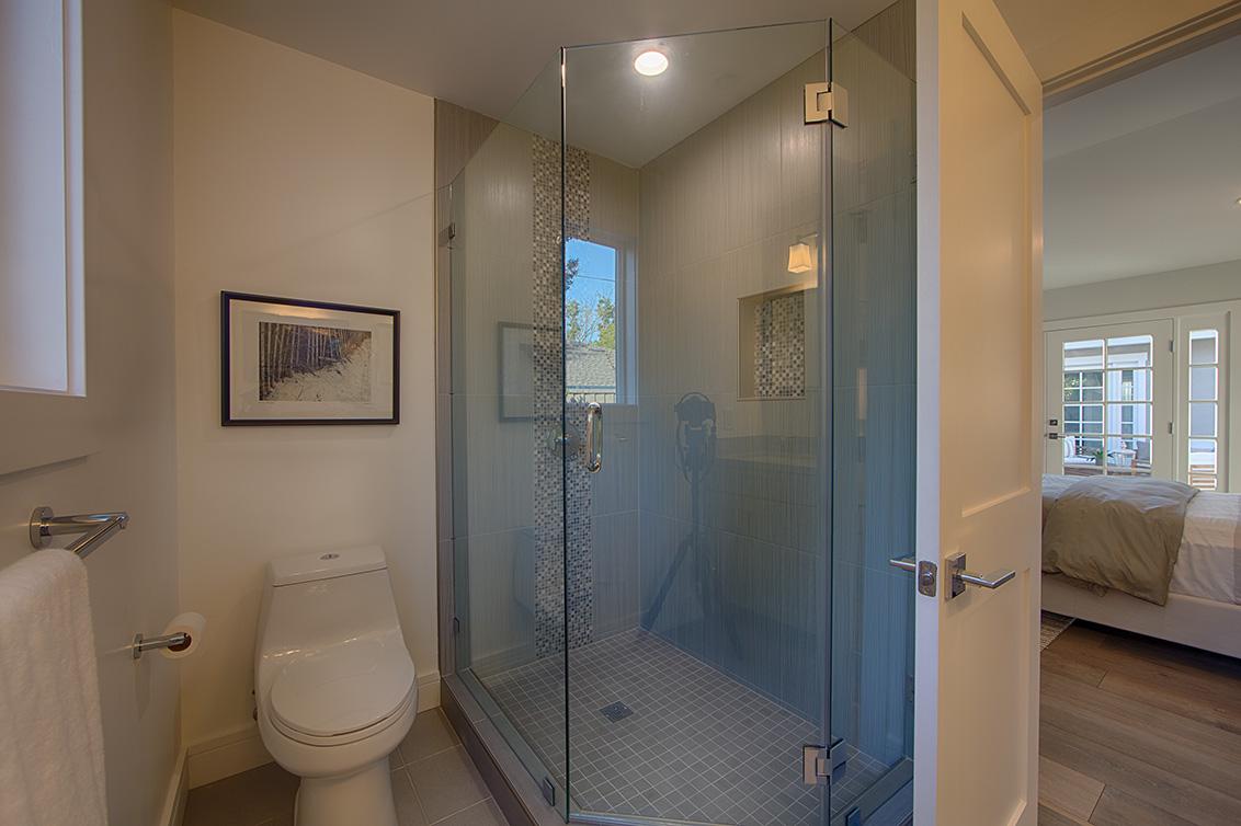 Master Bath 1 (B) - 331 Oak Ct