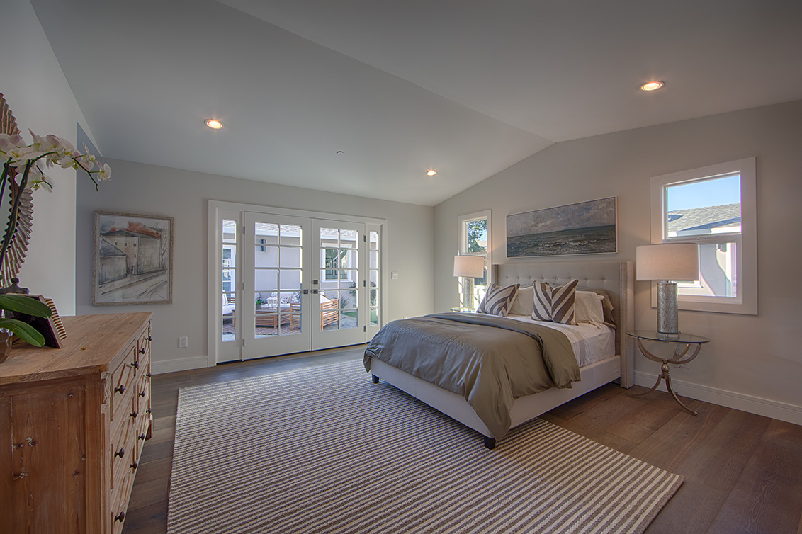 Master Bedroom 1 (B) - 331 Oak Ct