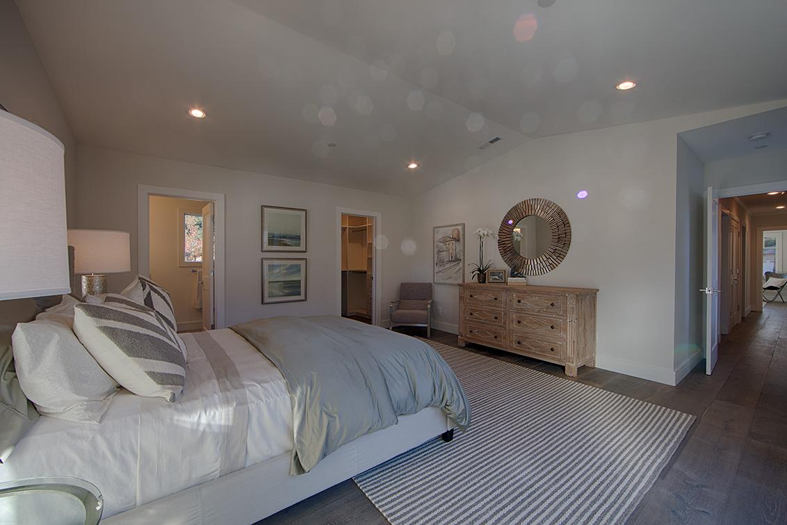 Master Bedroom 1 (D) - 331 Oak Ct