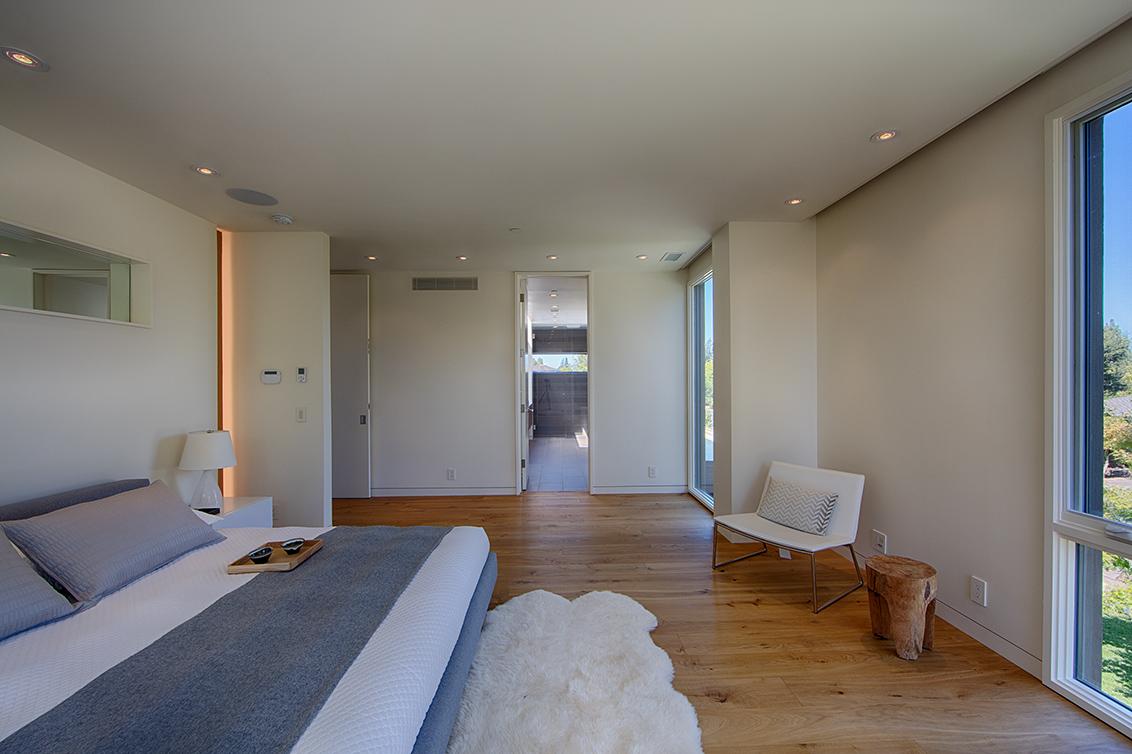 Master Bedroom (E)