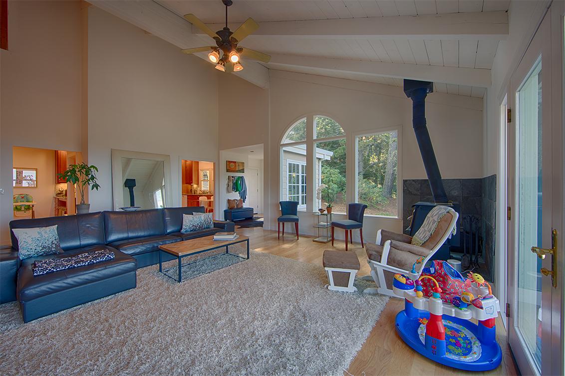 Living Room (C) - 1 Quail Ct