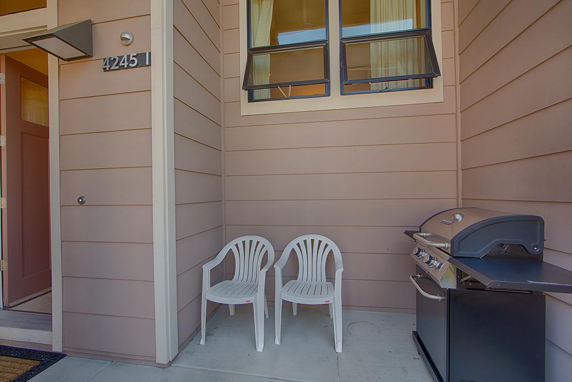Front Porch picture - 4245 Rickeys Way I, Palo Alto 94306
