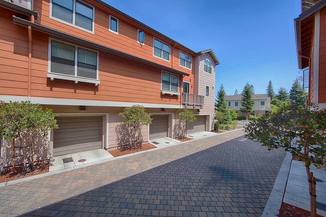 Garage picture - 4245 Rickeys Way I, Palo Alto 94306