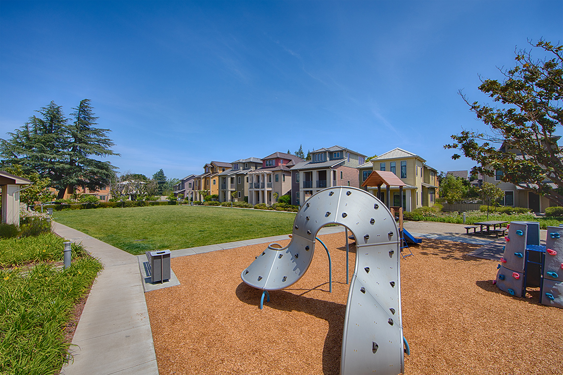 Playground (B)