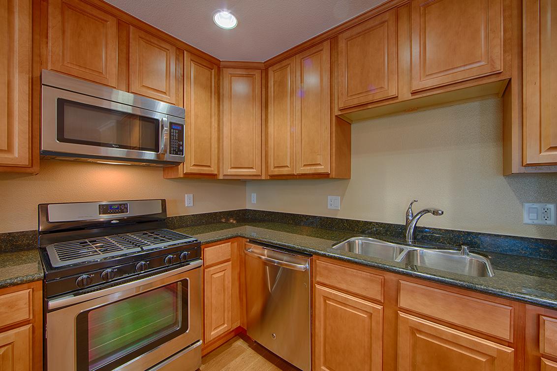 Kitchen (C) - 2217 Rock St