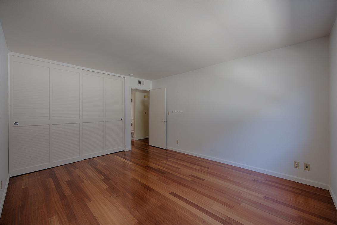 Bedroom 2 (C) - 255 S Rengstorff Ave 51