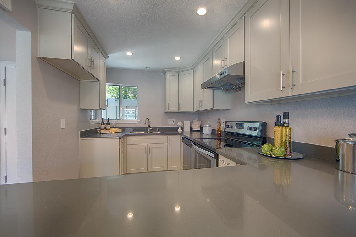 Kitchen (A) - 10932 Sweet Oak St