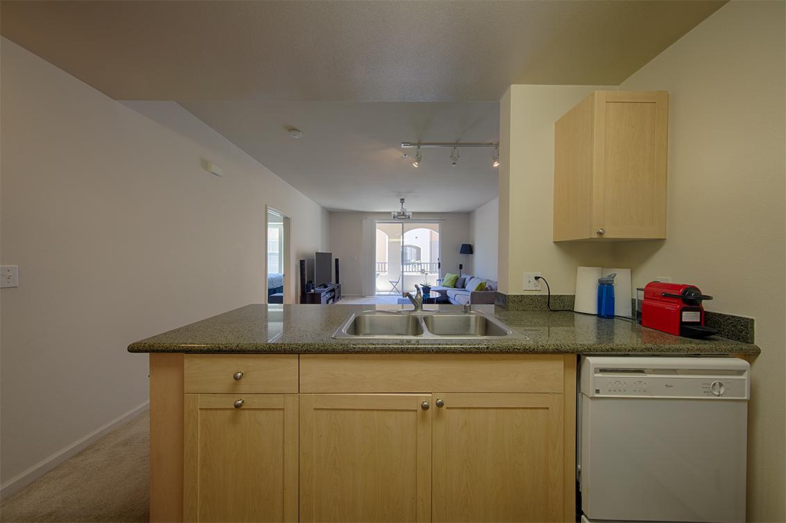 Kitchen (E)