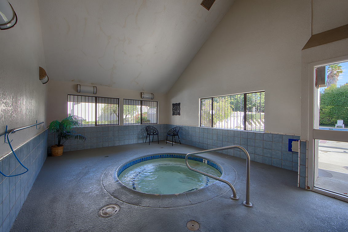 Complex Hot Tub (A) - 641 W Garland Ter