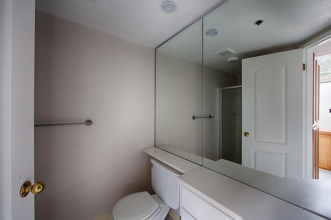 Upstairs Bath 2 (A)