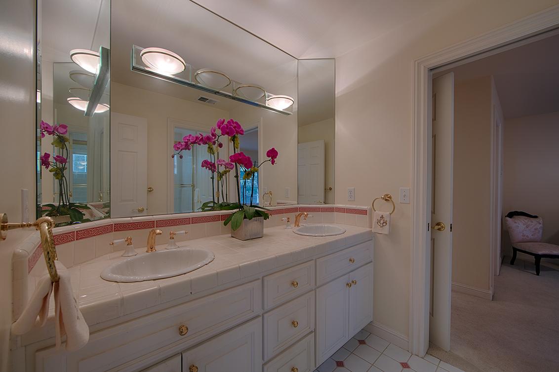 Bathroom 2 (A) - 26856 Almaden Ct