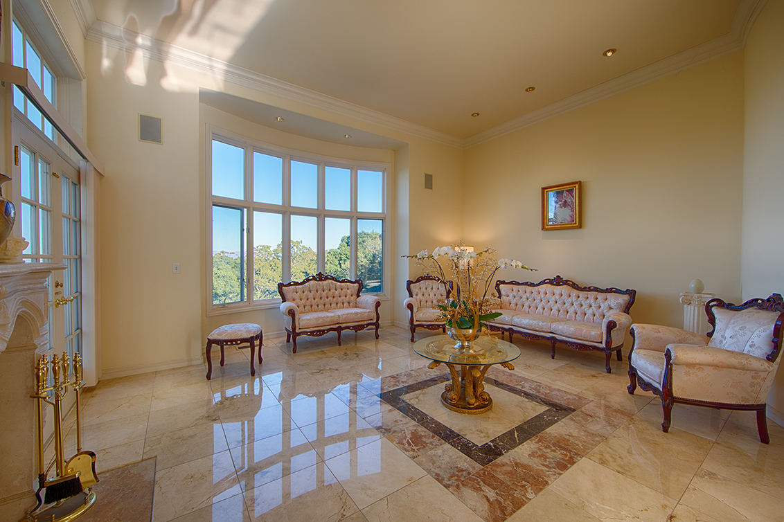 Living Room (E) - 26856 Almaden Ct