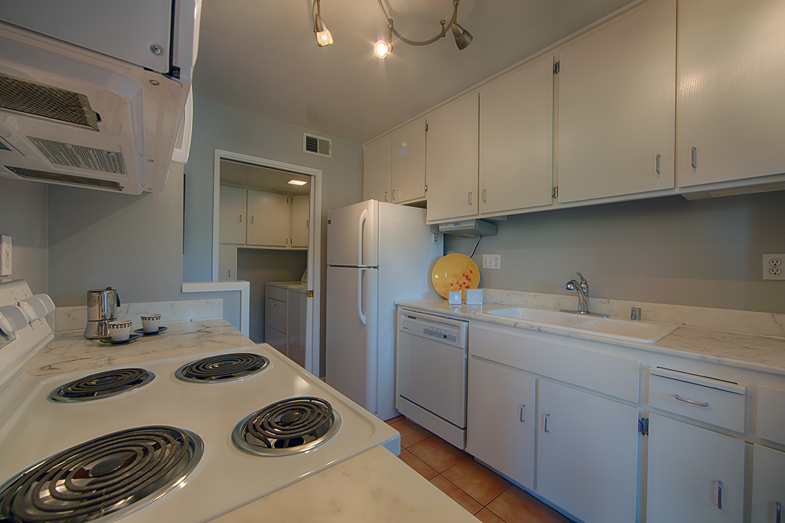 Kitchen (D) - 3321 Brittan Ave 5