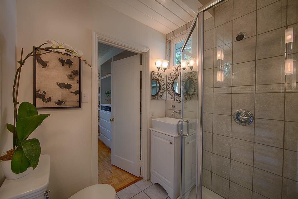 Bathroom 1 picture - 601 Bryson Ave, Palo Alto 94306