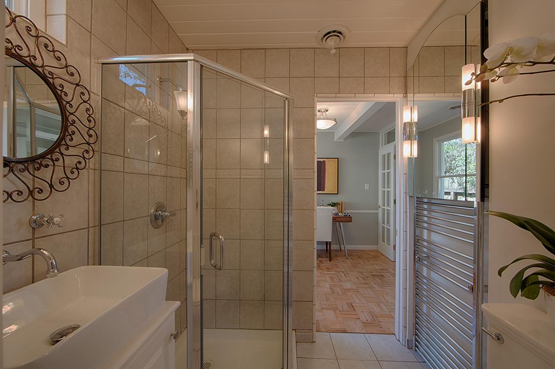 Bathroom 1 (B) - 601 Bryson Ave