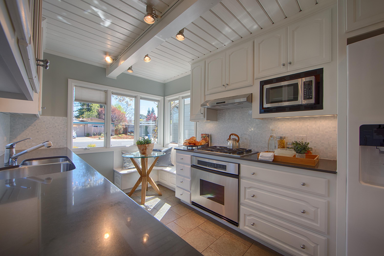 601 Bryson Ave, Palo Alto 94306 - Kitchen (A)