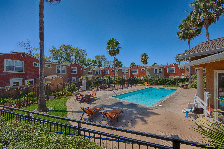 865 Carlisle Way 112, Sunnyvale 94087 - Swimming Pool (A)