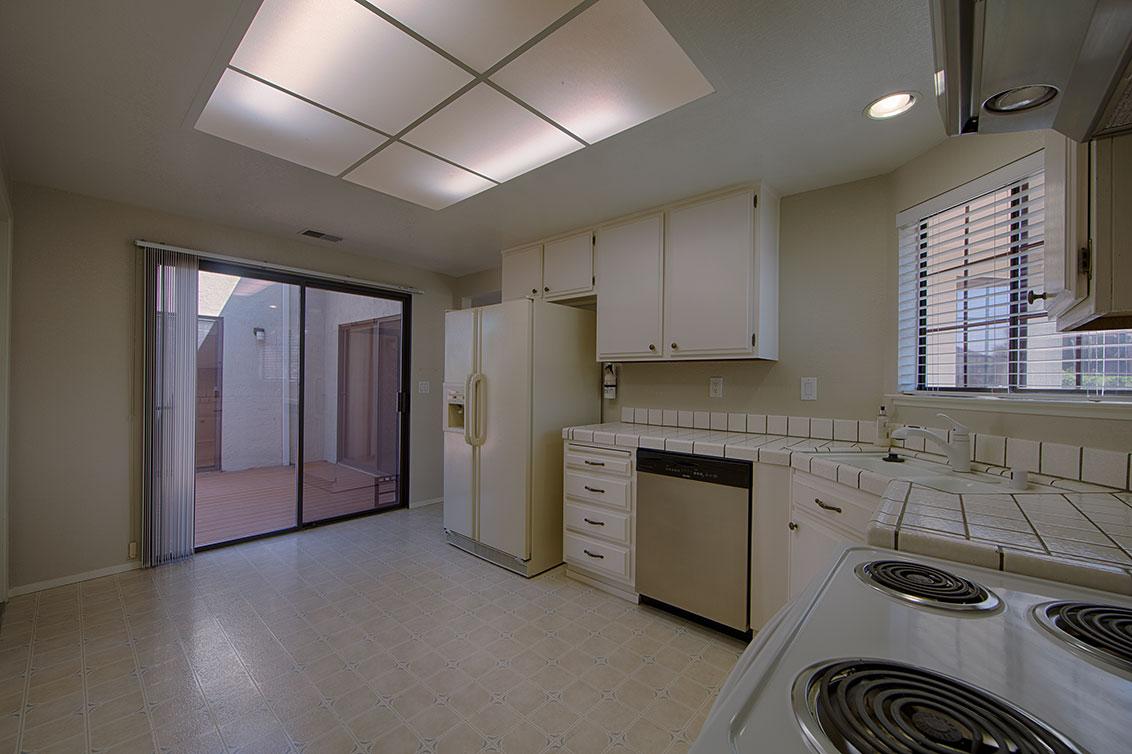 Kitchen (B) - 3433 Coltwood Ct