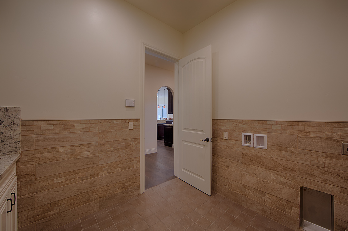 Laundry Room (B) - 22430 Cupertino Rd
