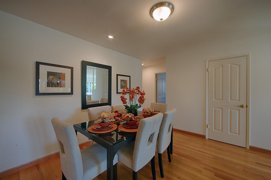 Dining Area (B)