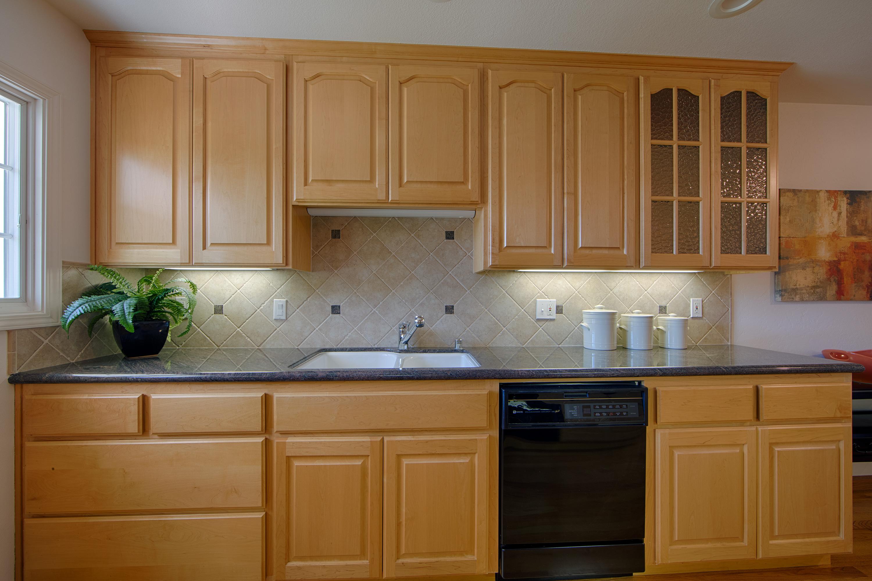 679 Durshire Way, Sunnyvale 94087 - Kitchen (D)