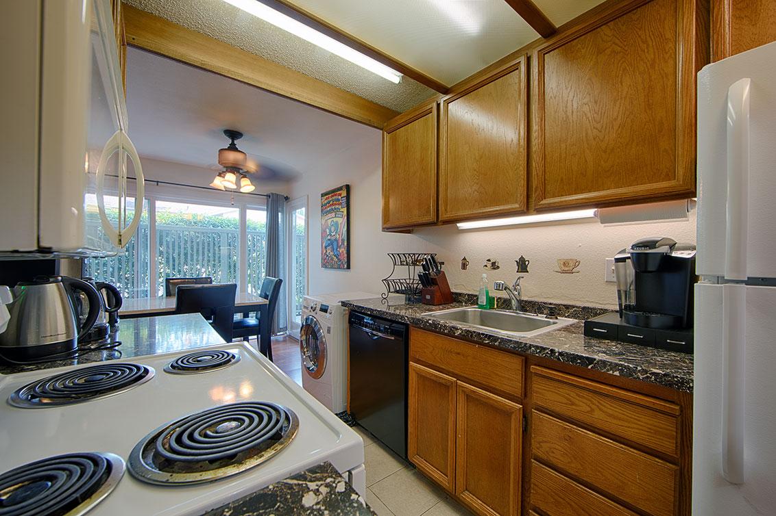 Kitchen (C) - 280 Easy St 209
