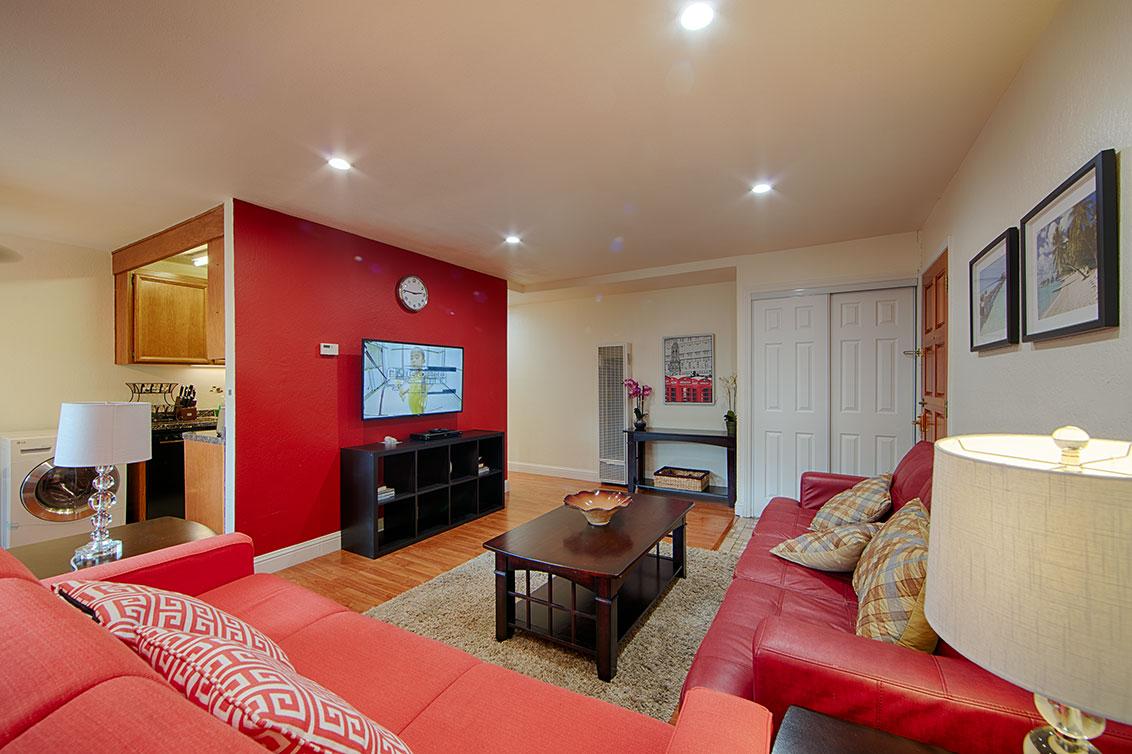 Living Room (E) - 280 Easy St 209