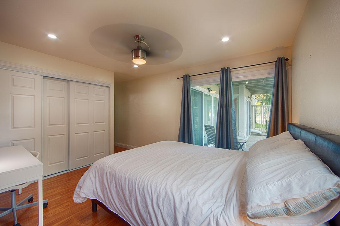 Master Bedroom (C) - 280 Easy St 209