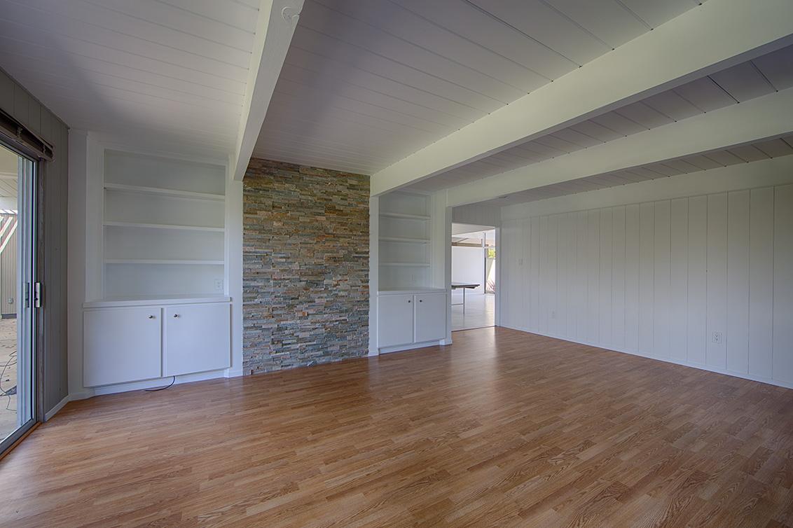 Family Room (C) - 1669 Edmonton Ave